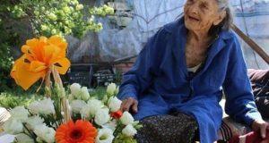 Баба на 102 разкрива тайната на дълголетието