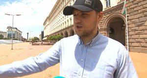 Битият на протеста студент: Проснаха ме като най-големия наркобарон ВИДЕО