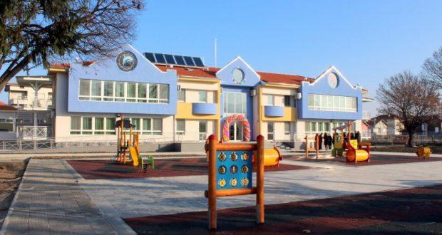 До 1800 лева вече взимат учителките в детските градини