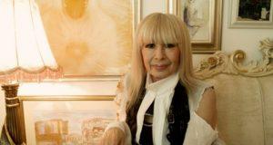 Лили Иванова показа луксозния си дом