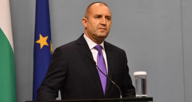 Румен Радев: Дълбоката криза на доверие може да се излекува само с оставка