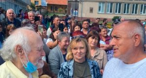 """Какво може да си купи един пенсионер с 50-те лева от Бойко Борисов? """"ДОБРЕ Е!"""""""