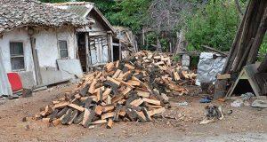 Ново 20! Забраняват на хората да ползват дърва и въглища! Били вредни!