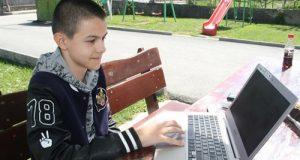 14-годишен ученик от Математическата в Пловдив сложи в малкия си джоб световни учени