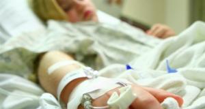 6-годишната Александра се събуди след кома вече на 22 години