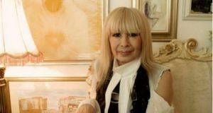 Лили Иванова си купи трон за над 12 000 евро за да бъде като кралица