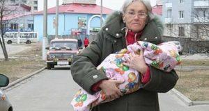 За първи път тя стана майка на 65 години. Изминаха 10 години: как живеят тя и дъщеря й сега