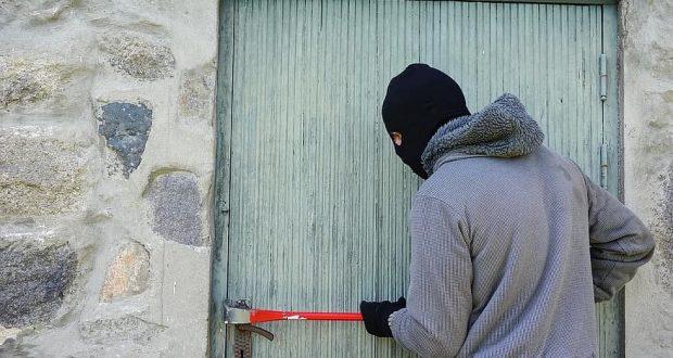Италия узакони убийството на крадци които ни нападат с взлом! Самозащита в ръцете на народа!