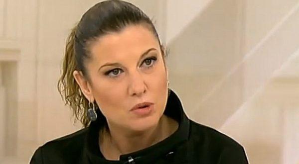 """Миролюба Бенатова: """"Мъжко ли е г-н Борисов да се криете зад женски гърбове"""""""