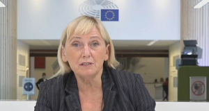 """Елена Йончева от Брюксел: Всички чакаме да разберем Борисов ли е въпросният """"корумпиран лидер"""""""