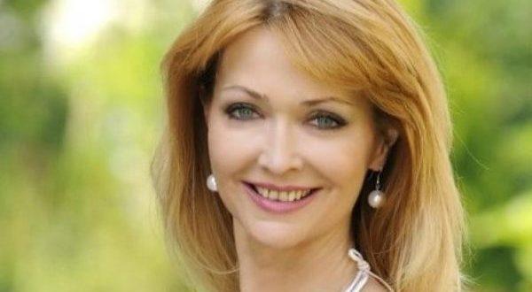 Естрадната легенда Роси Кирилова с трогателна изповед: Пълни лъжи са че не съм искала да бъда майка! Това което се случи е...