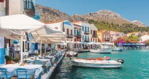 Гърция затяга мерките от 15 юли! Ако ще почивате там вижте какви са ограниченията
