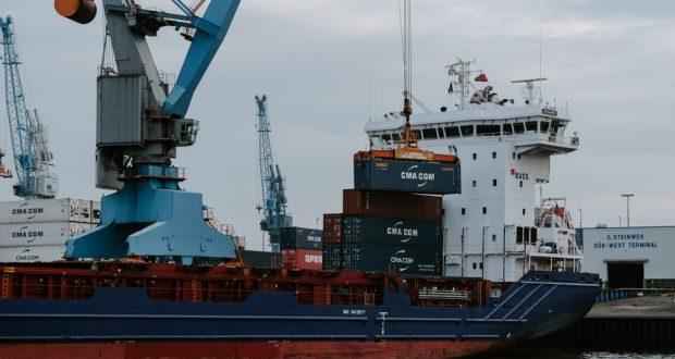 Кораб пълен със заразени с Делта на пристанище Бургас има починал моряк