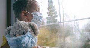 Вирусолог: По-уязвими към COVID-19 са децата под 1 година
