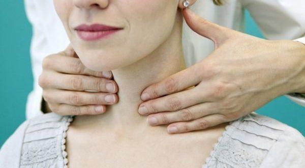 Лекарите никога няма да ви кажат това: Ето как да лекувате щитовидната жлеза само с една съставка!