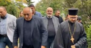Борисов в черно в храма: 500 души умряха за 5 дни заради Радев и Кацаров
